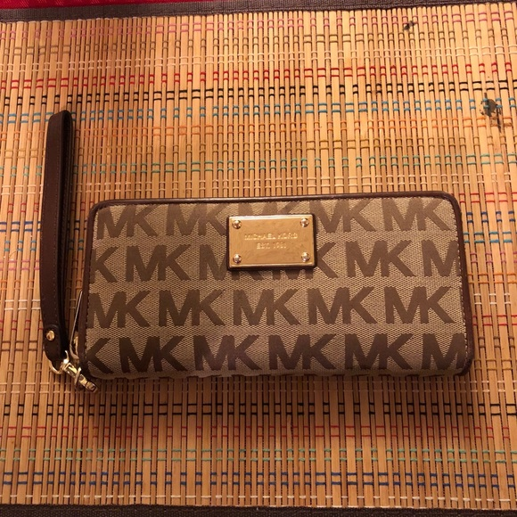 a3a3849561a8a MICHAEL Michael Kors Bags